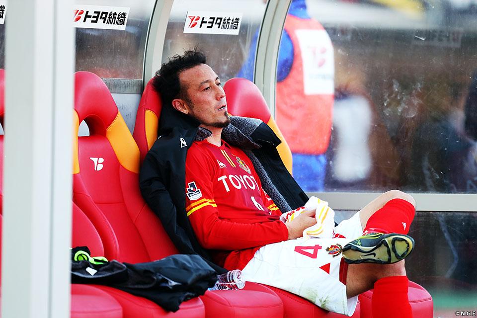 Le retour du vétéran Tulio Tanaka n'y aura rien changé, Nagoya est relégué pour la première fois de son histoire, après vingt-trois ans en J1. (photo: nagoya-grampus.jp)
