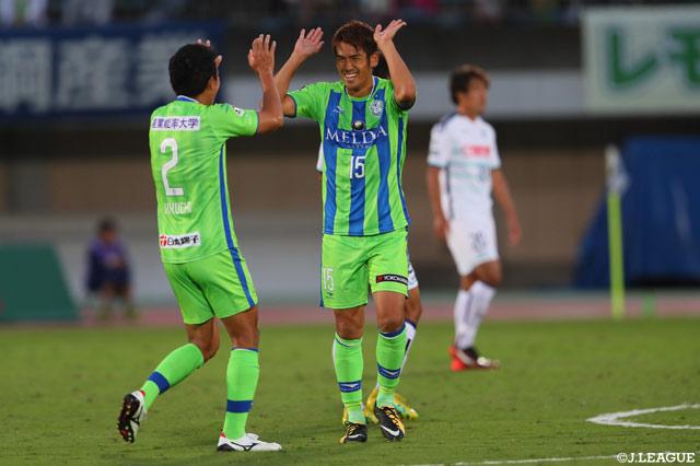 A six journées de la fin, personne ne semble en mesure d'empêcher Shonan de faire son retour en J1, le club basé à Hiratsuka n'ayant pas été défait depuis le 22 juillet (photo: jleague.jp)